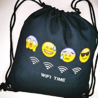 Emoji mintás fekete női hátizsák