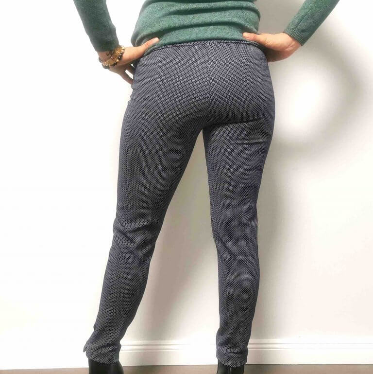 női sötétkék sztreccs nadrág