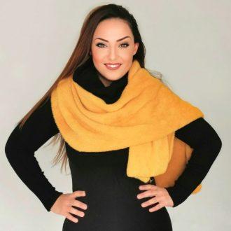 Sárga női sál